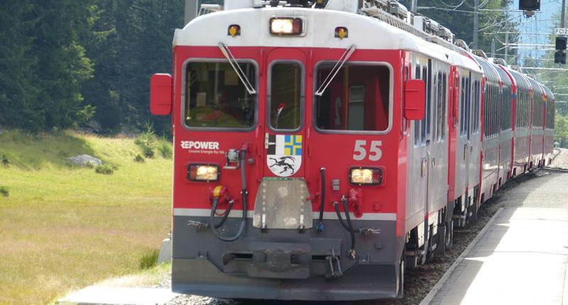 Bernina-Express: mit der Rhätischen Bahn durch die Schweizer Alpen