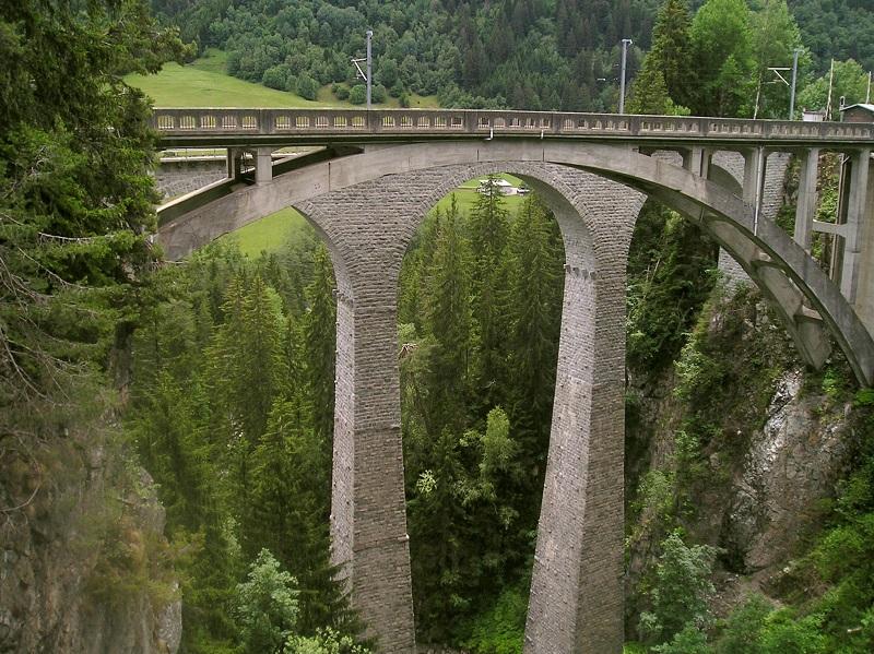 Landwasserviadukt - Glacier Express - Bahnstrecke St. Moritz nach Zermatt