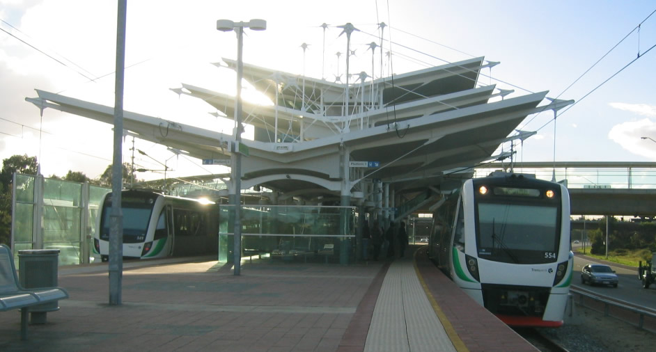 Bahnunfall in Perth/Australien: spektakuläre Rettungsaktion durch Fahrgäste