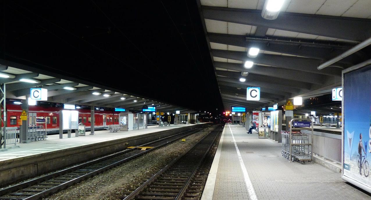 Lokführer-Streik: Fahrgäste als Geisel im Streit zwischen Bahn, GDL und EVG