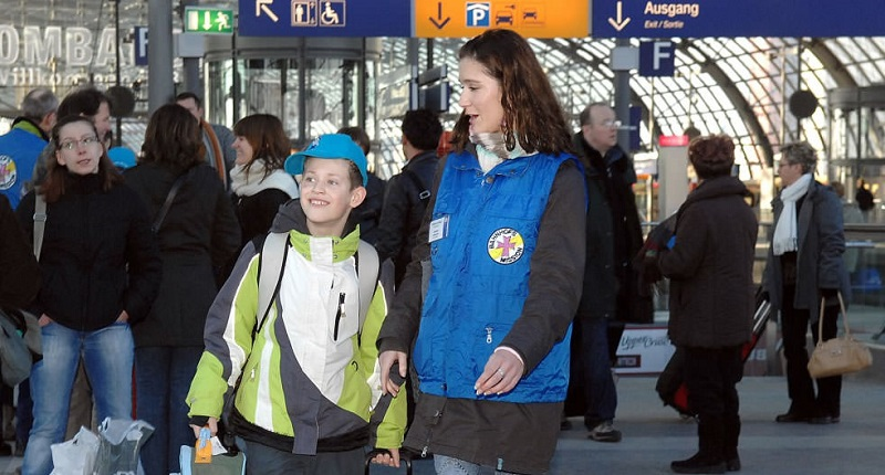Kids on Tour - aleinreisende Kinder im Zug - ab welchem Alter dürfen Kinder Zugfahren