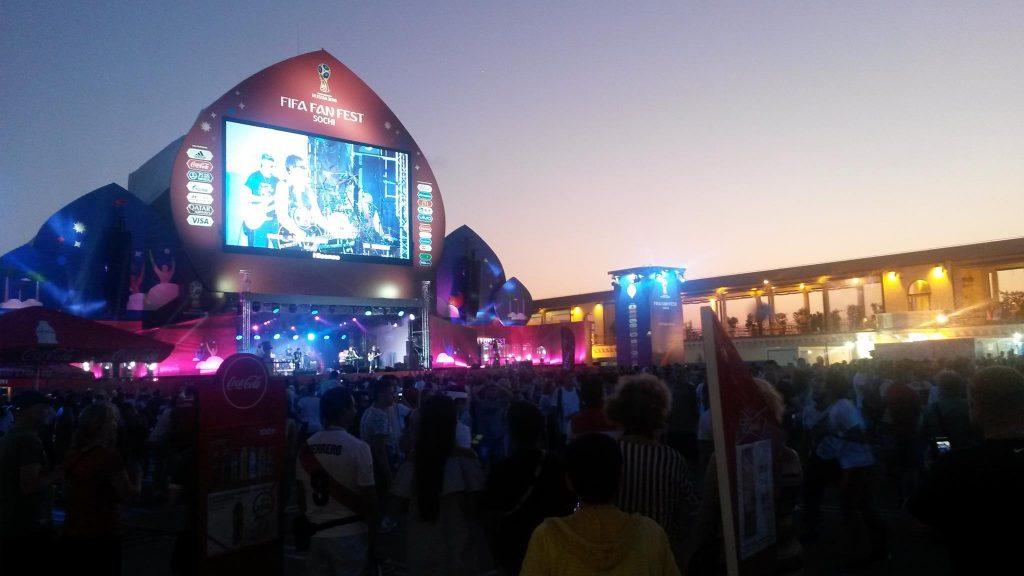 Fifa-Fan-Fest in Sotschi vor dem Spiel Polen gegen Kolumbien